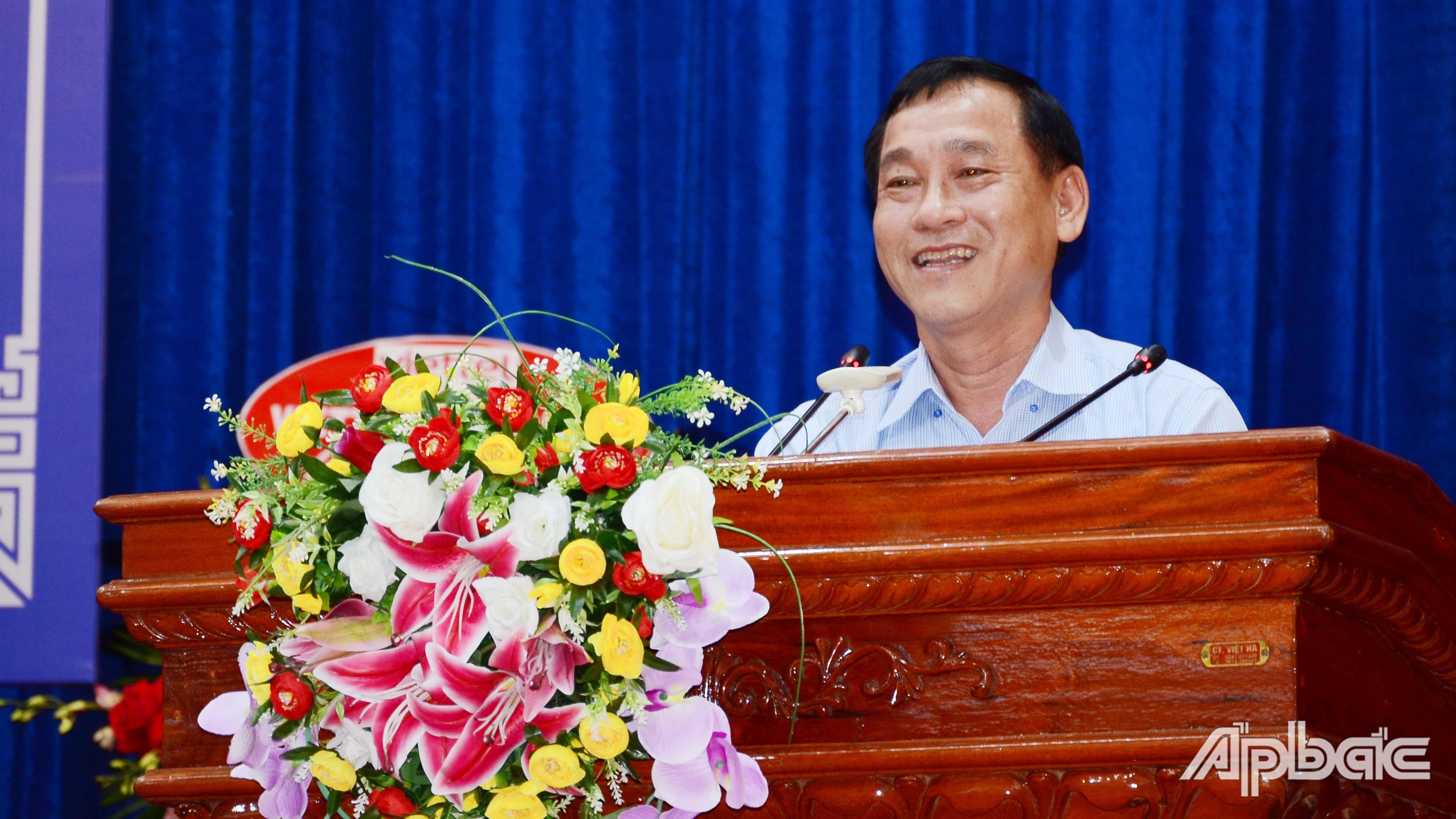 Đồng chí Nguyễn Văn Vĩnh phát biểu tại hội nghị.